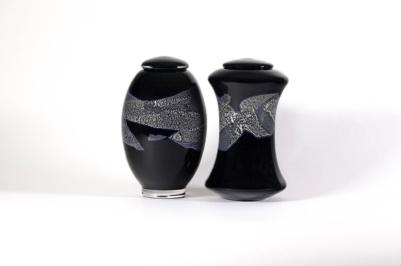 Urnes funéraires doubles en verre soufflé fabriqués par l'atelier de verre Welmo