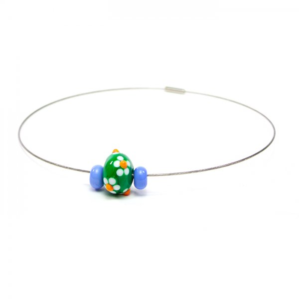 collier MARGUERITE en perles de verre verte et bleu pâle, Caroline Ouellette